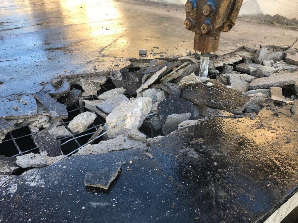 demolisseur-professionnel-brise-roche